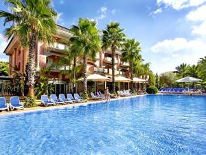 Villa und Pool des Estrella Coral de Mar