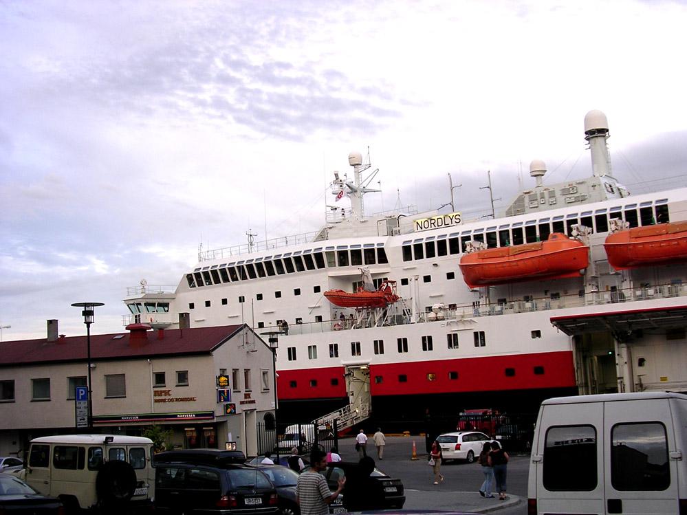 Hurtigruten-MS-Nordlys