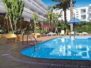 Hotel Belmonte Poolside
