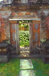 Bali, Ubud Blick auf den Lotusteich vom Puri Saraswati aus