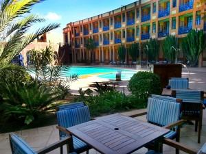 Poolterrasse des viersterne Hotels Le Medina Thalassa Sea & Spa in Essaouira